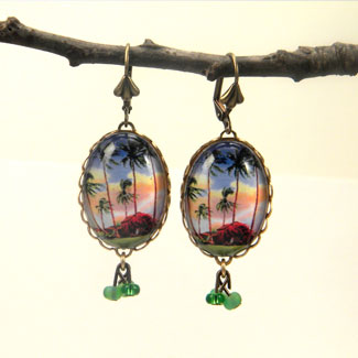 HIER03_grass_shack_earrings